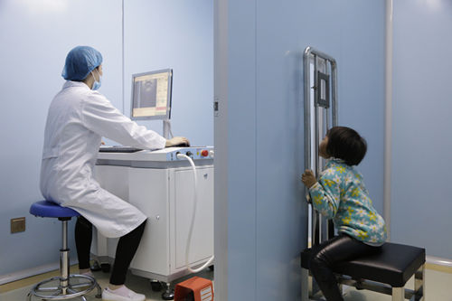 新科技:智能308准分子激光治疗仪